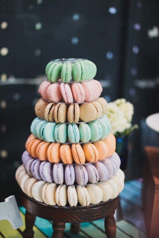tort de nunta din macaron