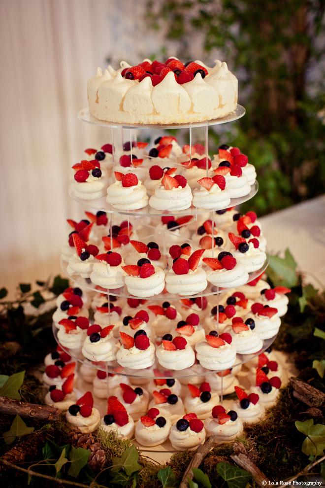 tort mireasa cupcakes cu fructe