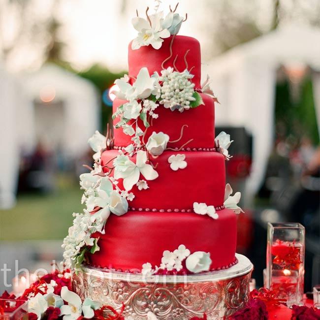 tort mireasa rosu cu flori