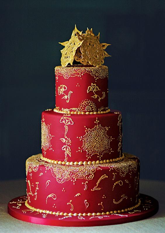 tort mireasa rosu royal