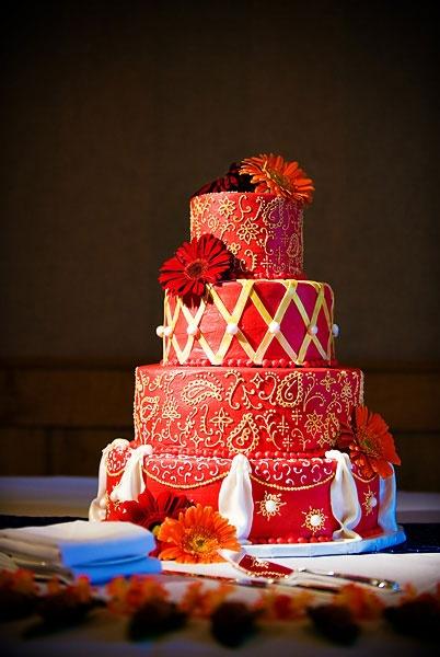 tort rosu pentru nunta