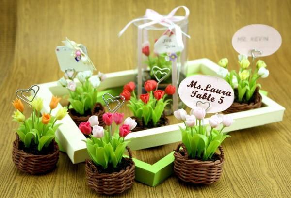 marturii de nunta in cosulete de flori