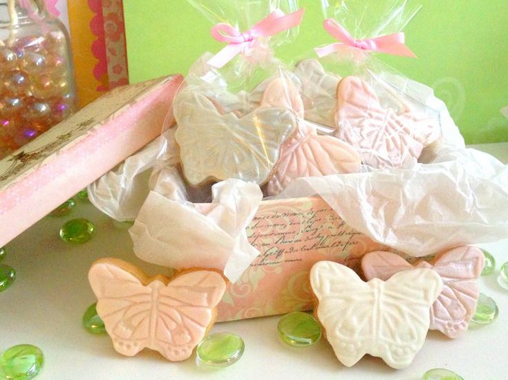 marturii dulciuri in forma de fluturas