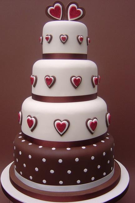 tort de nunta cu ciocolata si martipan