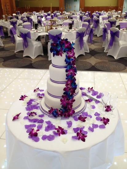 tort de nunta cu orhidee