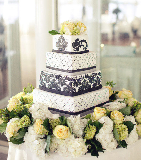 tort nunta elegant cu flori