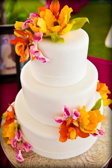 tort ornat cu flori