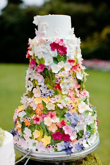 tortul miresei cu flori