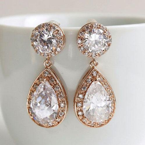 cercei cu diamante din aur