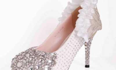 Pantofi de mireasa cu pietre swarovski
