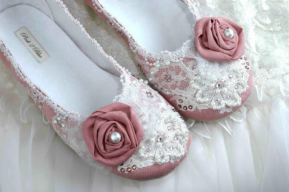 balerini roz cu dantela