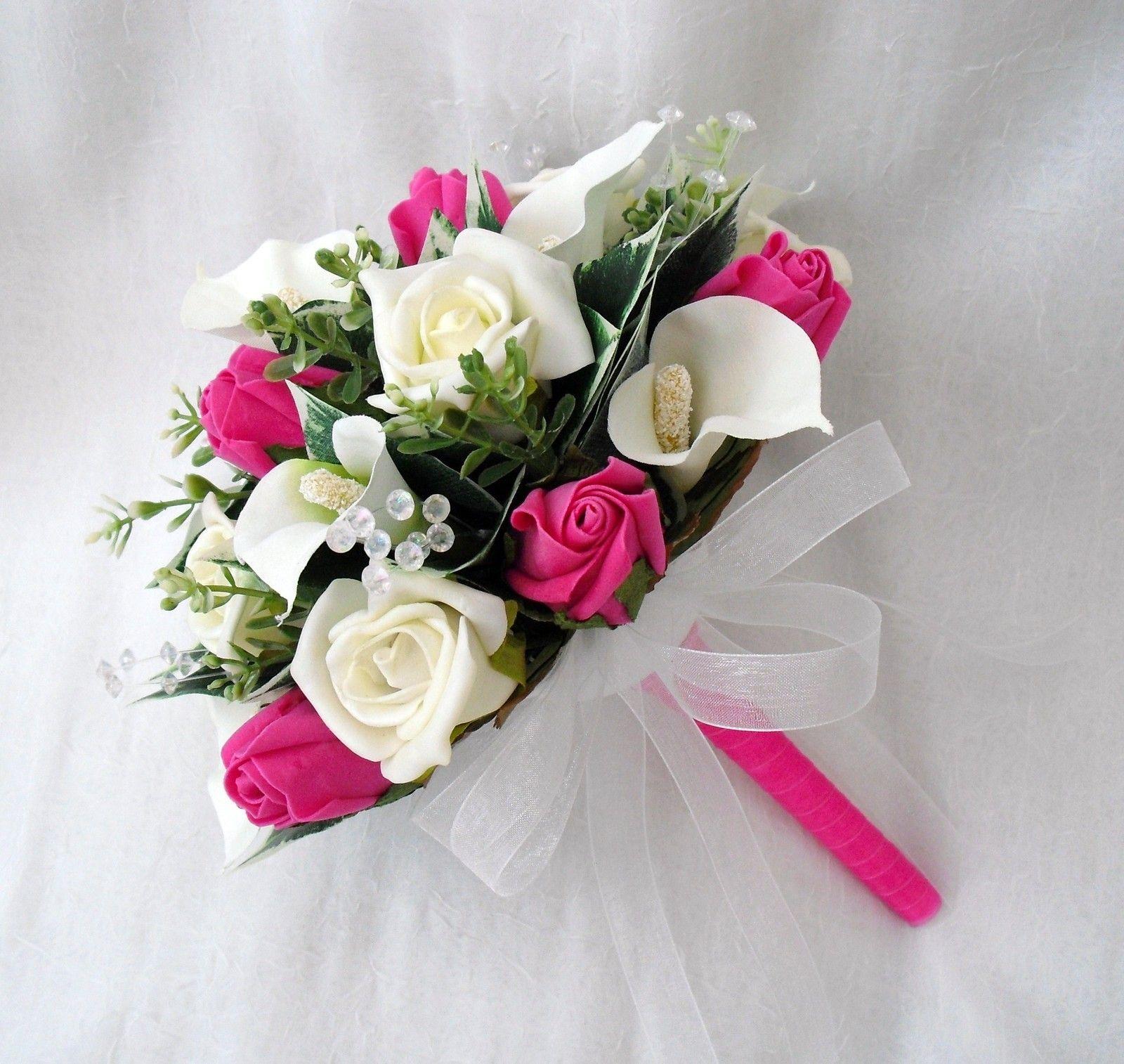 buchet de nunta cu flori albe si roz