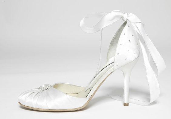pantofi albi cu pietre Mihai Albu