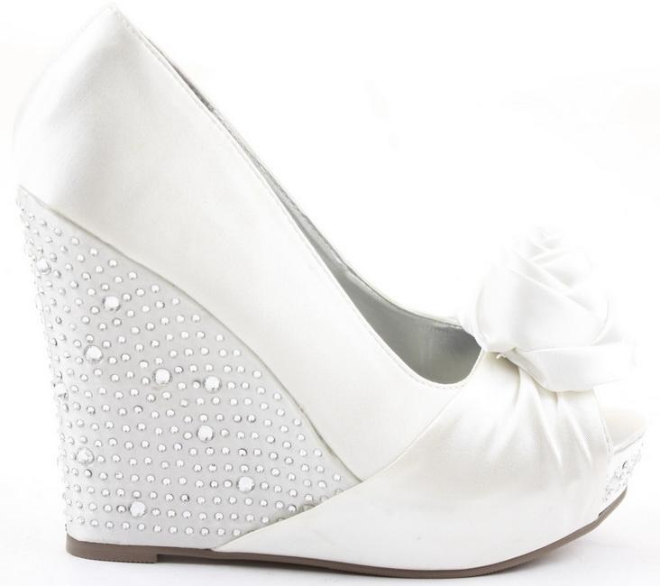 pantofi albi cu platforma si pietre