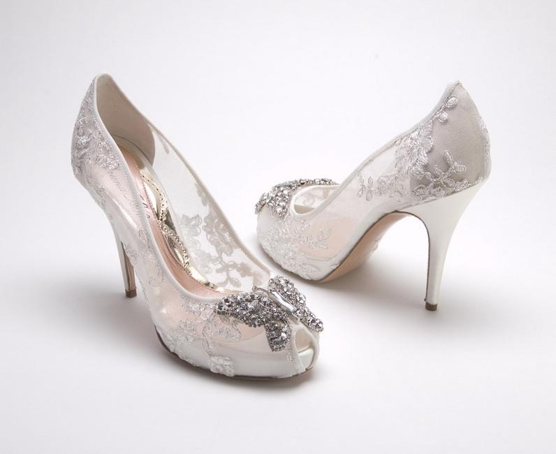 pantofi cu toc din dantela