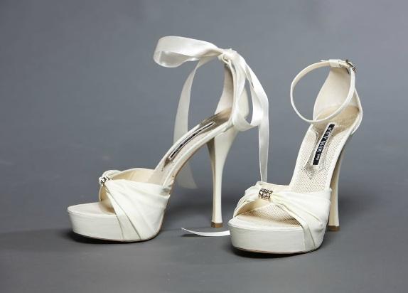 sandale albe Mihai Albu