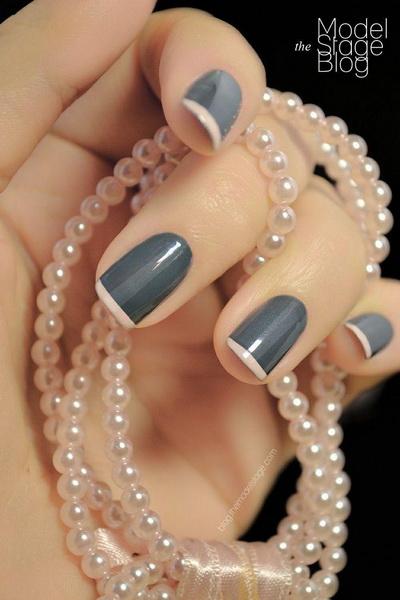 unghii gri cu french alb