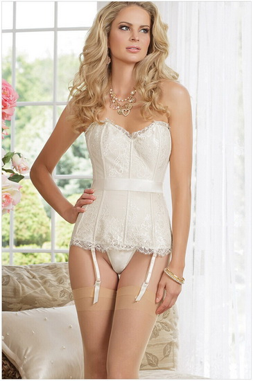 lenjerie intima cu corset
