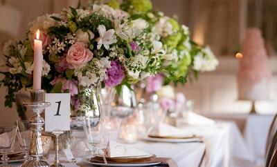 Cum să organizăm o nuntă superbă cu bani puţini