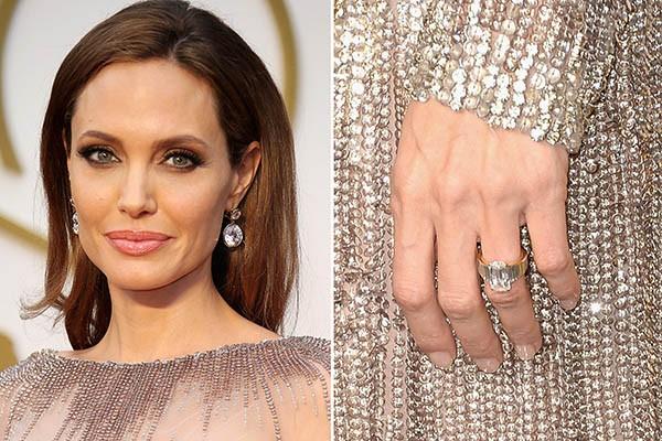 inel de logodna Angelina Jolie