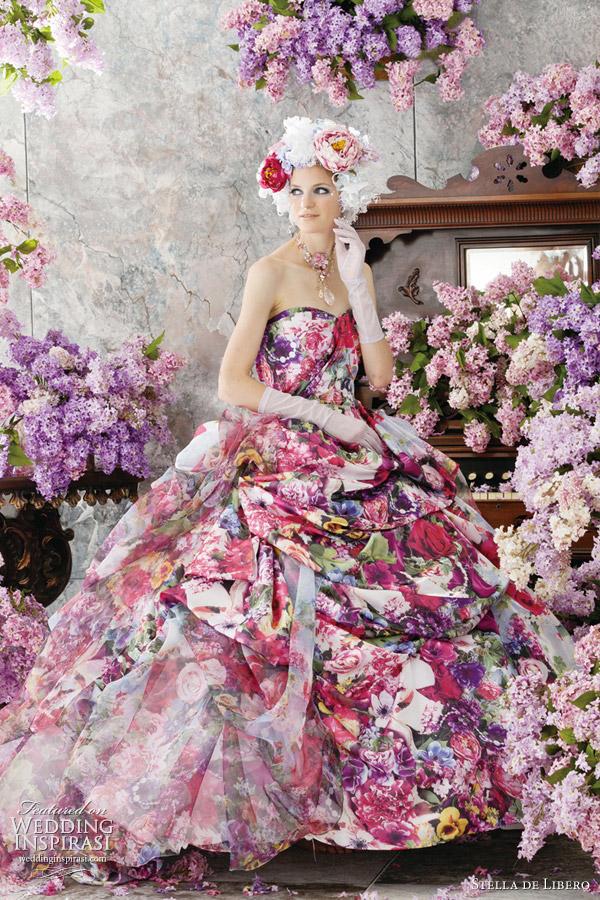 rochie de mireasa cu flori