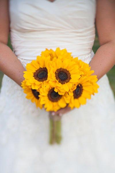 buchet mireasa cu floarea soarelui pentru 2017