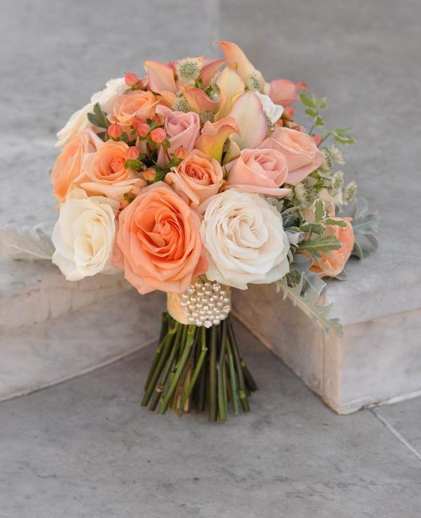 buchet mireasa cu trandafiri portocalii