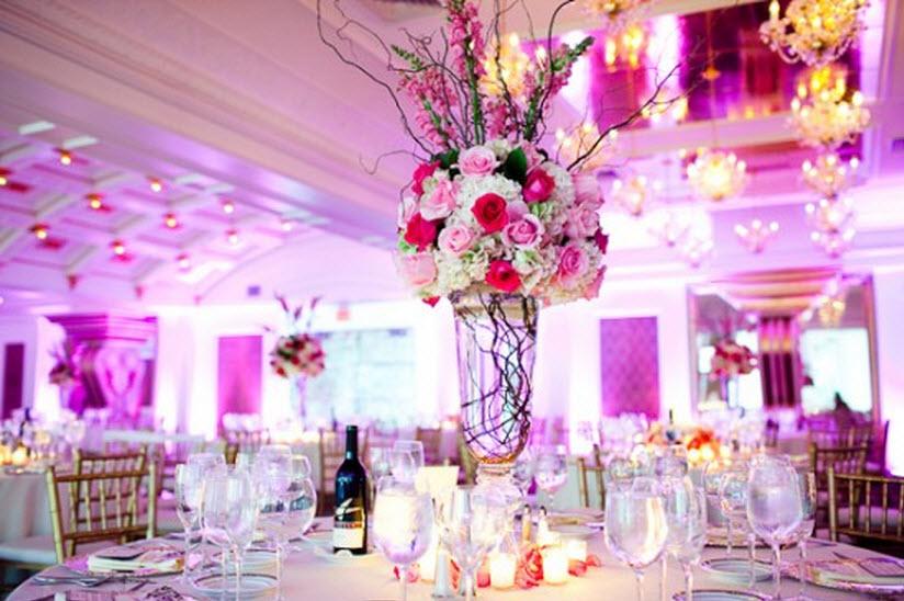Aranjamentul floral pentru masa de prezidiu