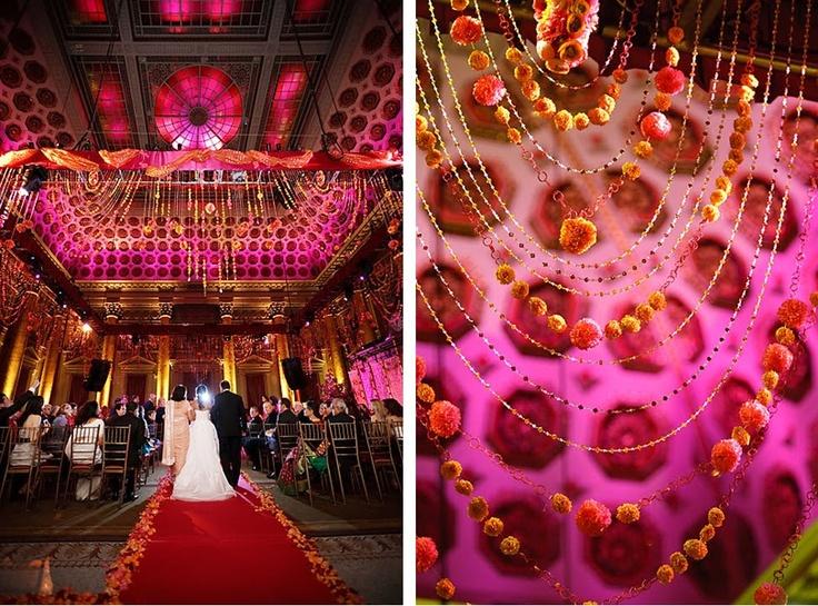 Mici elemente decorative suspendate din tavan