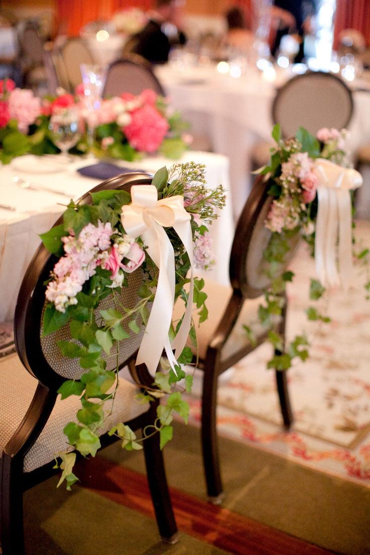buchețele de flori pentru husele de pe scaune