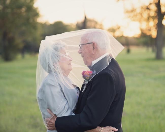 Acest cuplu a așteptat 70 de ani pentru a face pozele de nuntă 3