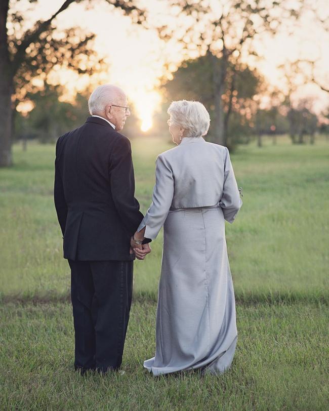 Acest cuplu a așteptat 70 de ani pentru a face pozele de nuntă 9