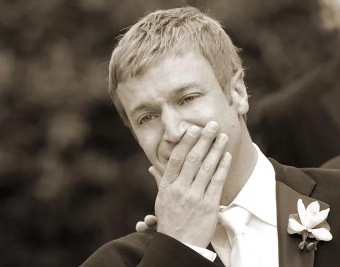 Cele mai emoționante reacții ale mirilor când și-au văzut miresele 7