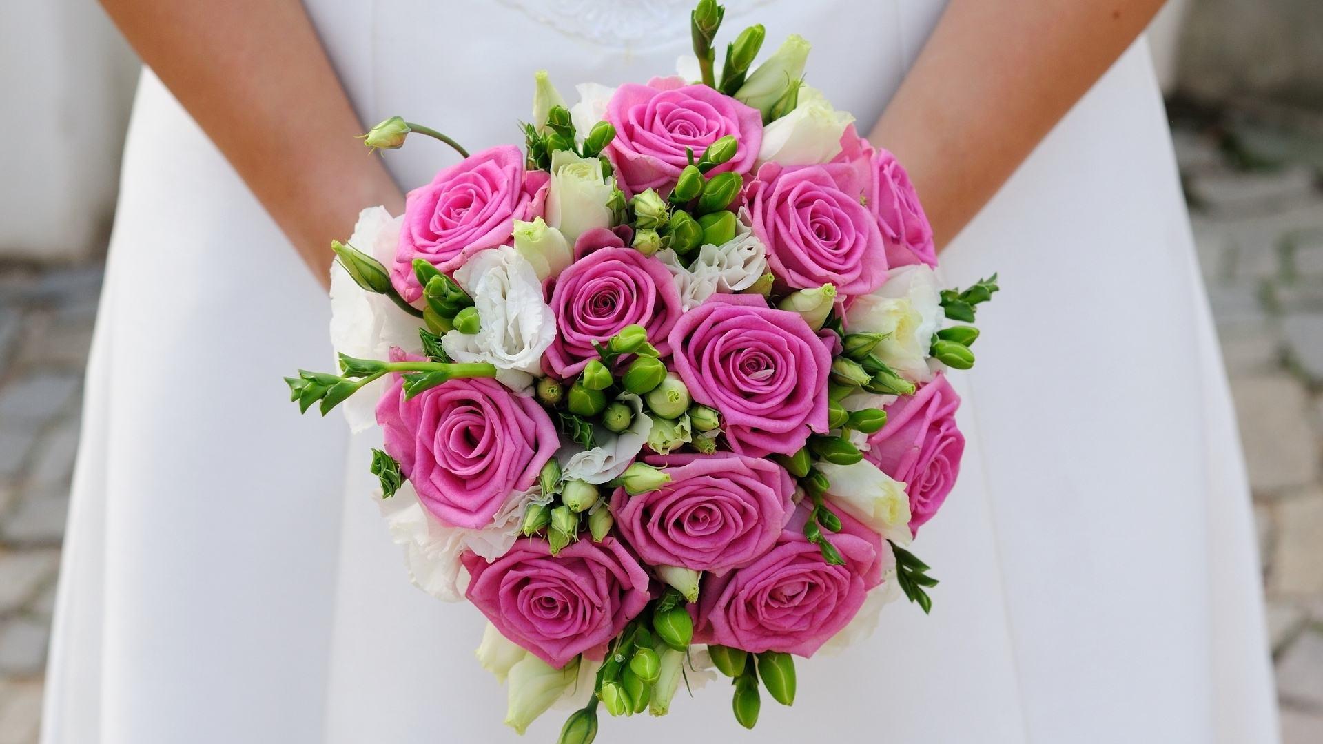 buchet de mireasa ieftin cu trandafiri