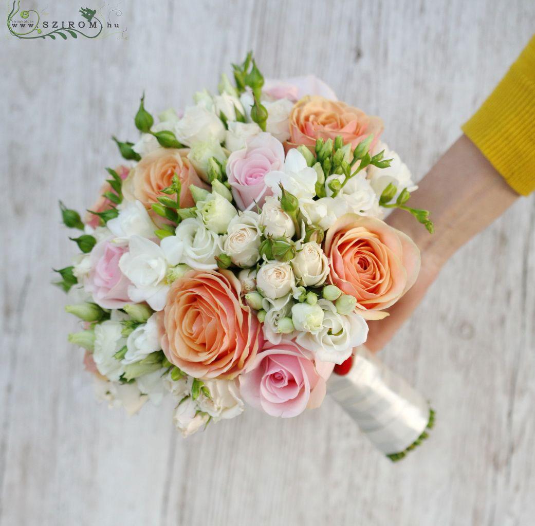 buchet-mireasa-cu-trandafiri-si-frezii