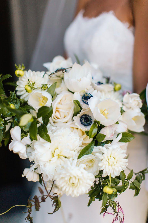 buchet-mireasa-deosebit-cu-flori-albe