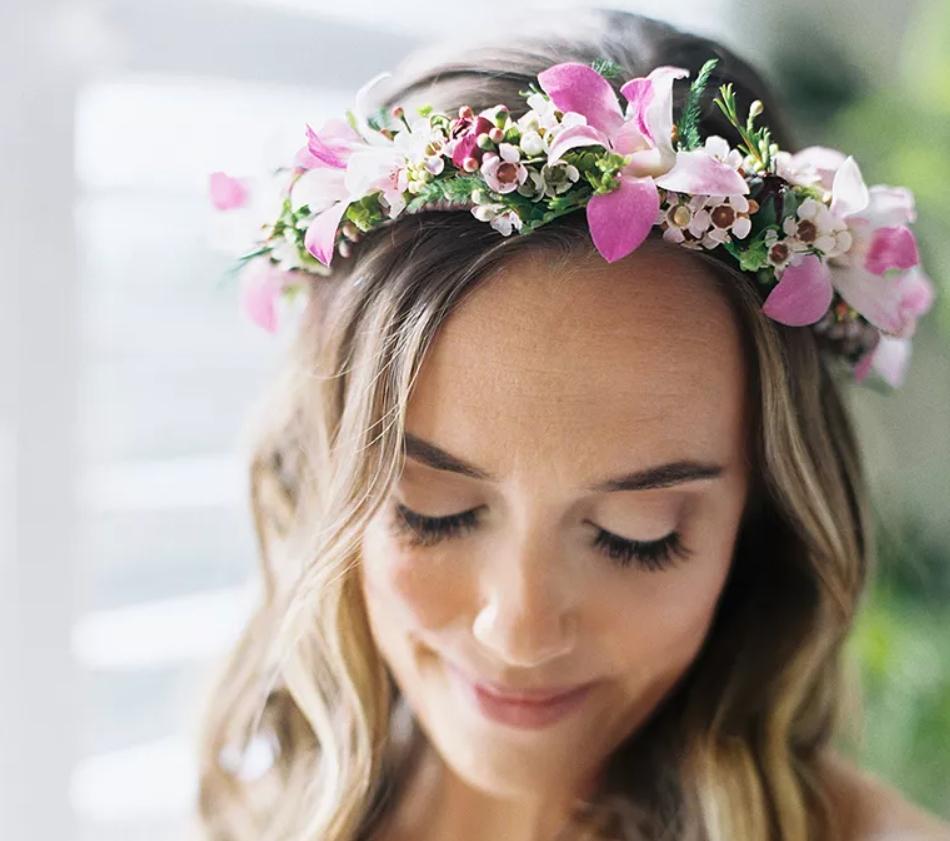 Tiara in stil coroana din flori naturale