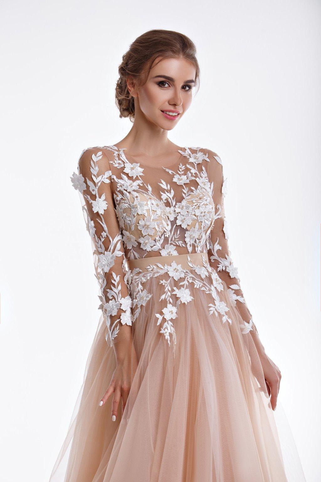 Rochie de mireasa cu flori albe