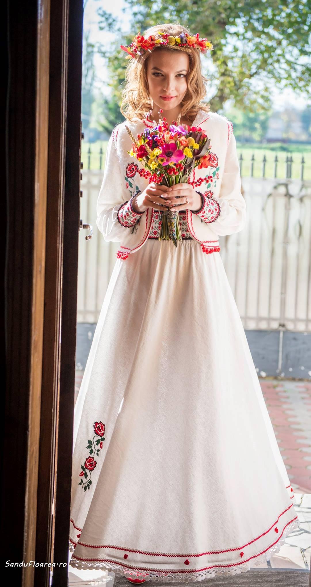 Rochie de mireasa traditional romaneasca